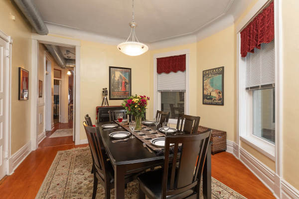 Dining Room of the 2nd floor Wrigley Flats Vacation Rental in Chicago